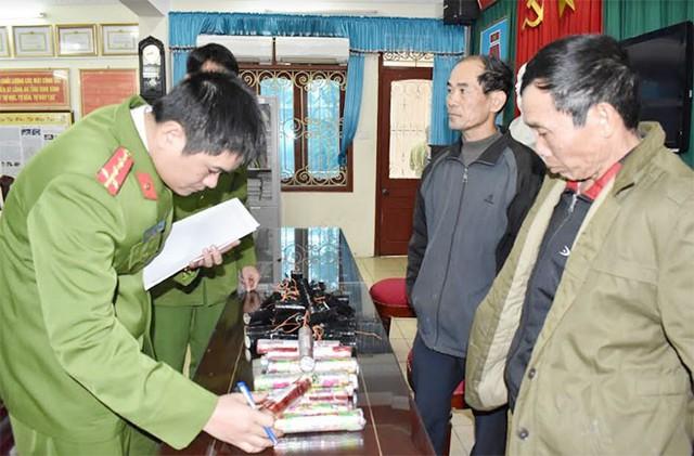 Lô điện thoại tiền tỷ nhập lậu từ Móng Cái về Ninh Bình  - Ảnh 2.
