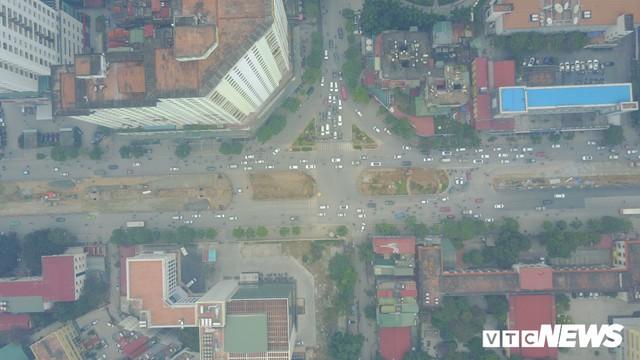 Đường đẹp nhất Việt Nam rộng thênh thang qua góc máy từ trên cao - Ảnh 2.