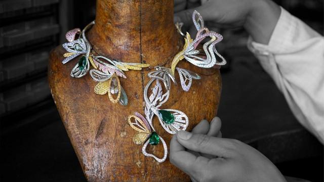 Đằng sau tuyệt tác Boucheron's Bouquet d'Ailes: 9 tháng miệt mài và 2300 viên đá quý làm nên những chiếc vòng cổ với những rung động thiên nhiên tuyệt vời - Ảnh 1.