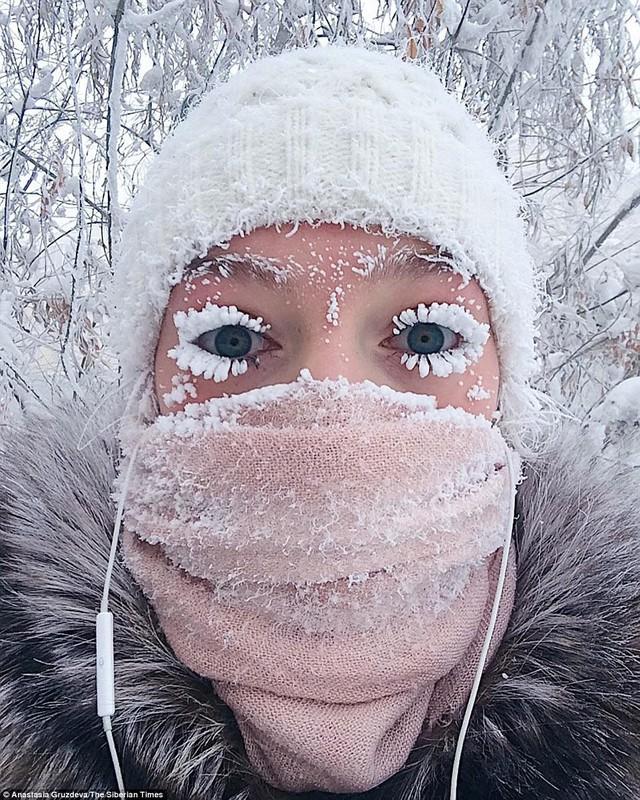 Ngôi làng lạnh nhất thế giới - chạm ngưỡng kỷ lục, nhiệt kế vỡ tung vì quá lạnh - Ảnh 1.