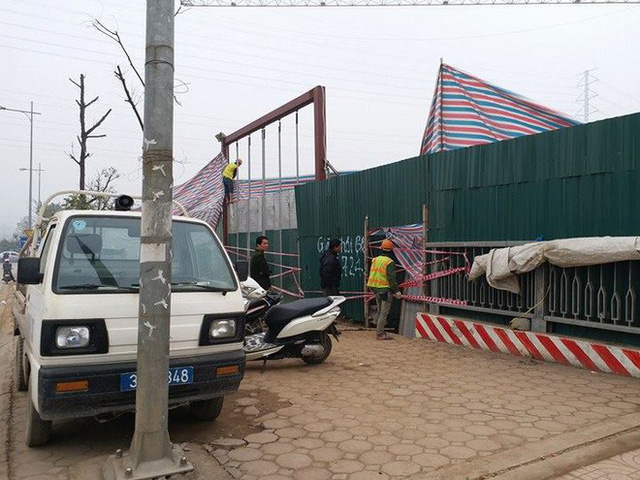 Sập giàn giáo trên đường Tố Hữu - Hà Nội, 3 người chết - Ảnh 1.