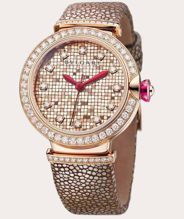 Chiêm ngưỡng mẫu đồng hồ cao cấp được chế tạo tinh xảo như một bức tranh khảm 700 miếng vàng 18k đầy nghệ thuật - Ảnh 1.