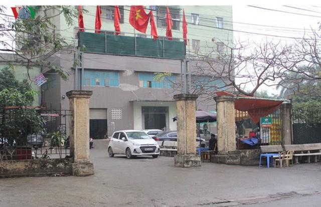 Tại sân một khu chung cư ở Đền Lừ, Hoàng Mai có nhiều người đem xe đến gửi bởi phí xe thấp hơn.