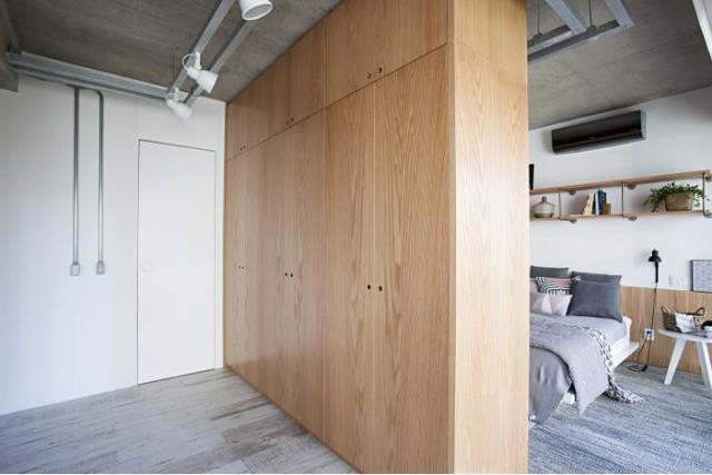 Phòng ngủ được thiết kế thông thoáng và tràn ngập ánh sáng tự nhiên.