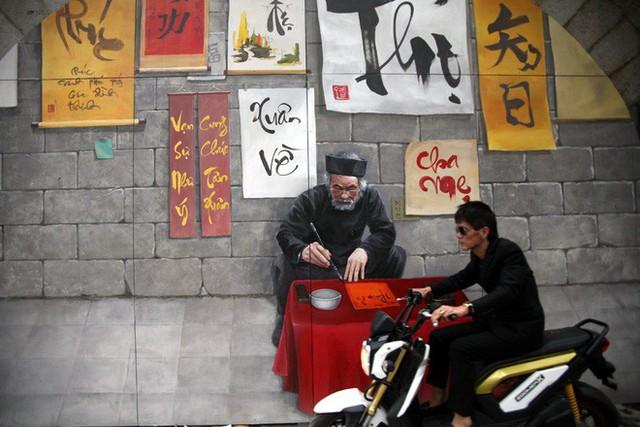 Hà Nội: Phố bích họa Phùng Hưng tái khởi động, hoàn thành trước Tết cổ truyền - Ảnh 13.