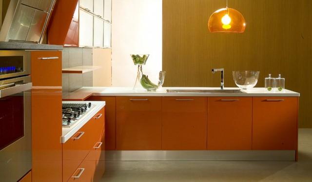 Chính vì vậy khi quyết định lựa chọn loại tủ này thì bạn cần chú ý đo kích thước thật chuẩn, lựa chọn màu sắc phù hợp với màu của tường và nên chọn những kiểu dáng đơn giản là hợp lý nhất.