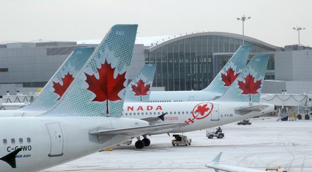 Hơn 500 chuyến bay đã bị hủy để đảm bảo an toàn tại Canada.