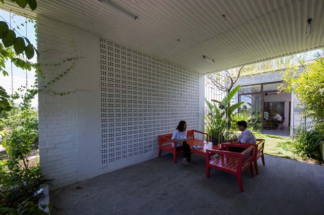 Hàng vạn dân văn phòng sẽ mơ ước được làm việc trong resort ngập cây xanh này - Ảnh 16.
