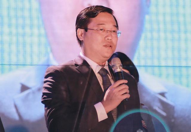 Anh Lê Quốc Phong phát biểu.