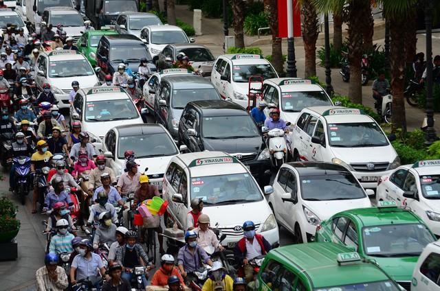 Tình trạng kẹt xe tại TP HCM vẫn chưa có chiều hướng giảm