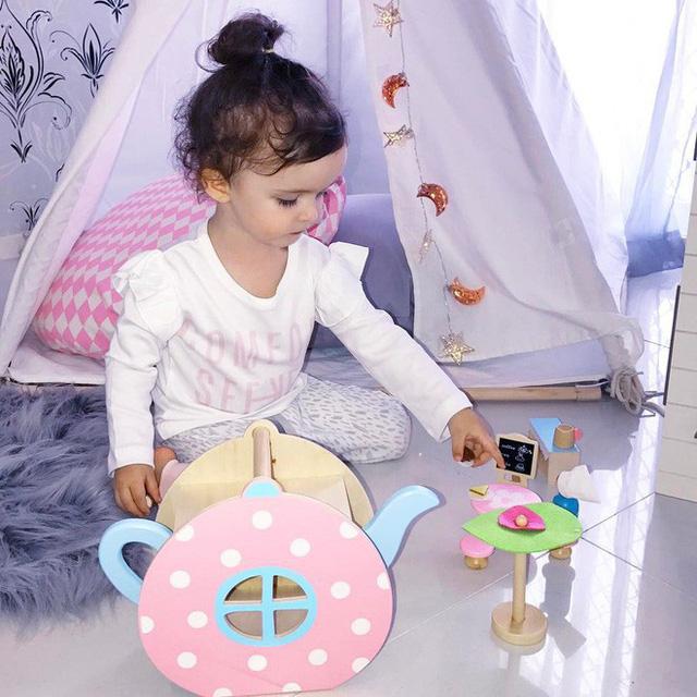 Là một bé gái 3 tuổi nên Millie Belle cũng rất thích chơi đồ hàng. Mỗi thứ trong căn phòng của cô bé đều rất xinh xắn, đẹp đẽ.