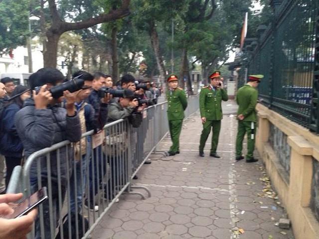 Hôm nay ông Trịnh Xuân Thanh lại hầu tòa về tội tham ô - Ảnh 4.