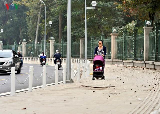 Ảnh: Toàn cảnh con đường 600m hoàn thành trong 17 năm tại Hà Nội - Ảnh 8.