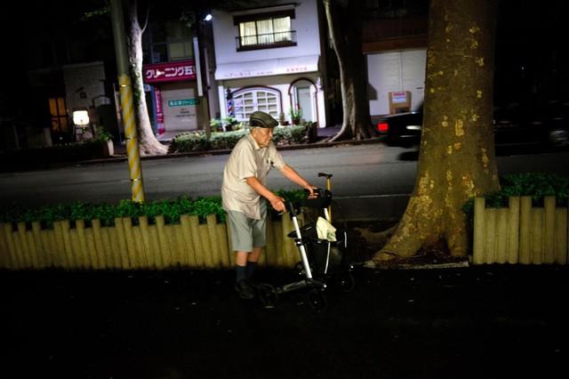 Một thế hệ cô đơn tại Nhật Bản: Nhiều người trẻ tìm đến tự tử tập thể, người già buồn tủi từ giã cuộc đời mà chẳng ai hay - Ảnh 9.