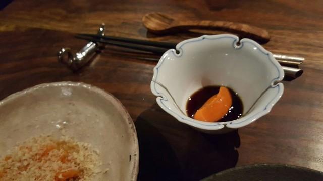 Món thứ ba là bí ngô nghiền phủ lên thịt linh dương, ăn kèm sốt kem và có vẻ hơi mặn.