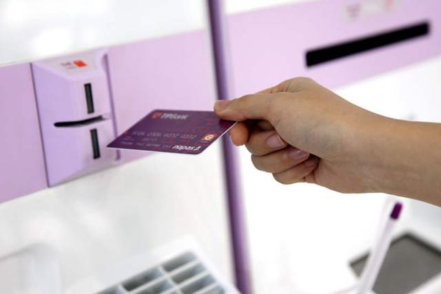 TPBank đã phát hành thành công thẻ ATM sử dụng công nghệ chip, chống gian lận thẻ thông qua skimming