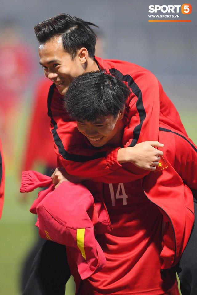 Hành trình kỳ diệu của bóng đá Việt Nam trong năm 2018 qua ảnh - Ảnh 14.