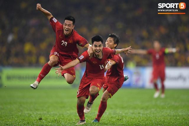 Hành trình kỳ diệu của bóng đá Việt Nam trong năm 2018 qua ảnh - Ảnh 17.