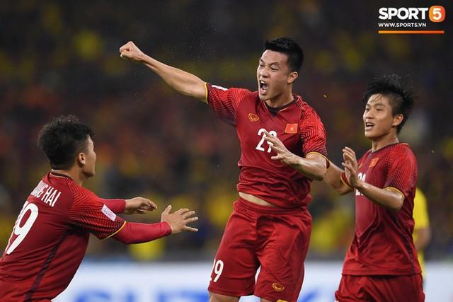 Hành trình kỳ diệu của bóng đá Việt Nam trong năm 2018 qua ảnh - Ảnh 18.