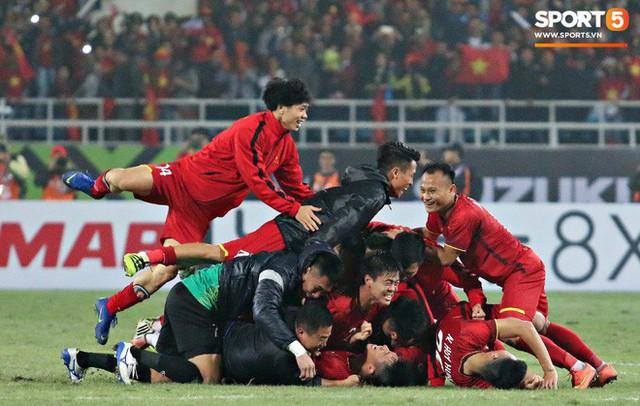 Hành trình kỳ diệu của bóng đá Việt Nam trong năm 2018 qua ảnh - Ảnh 21.