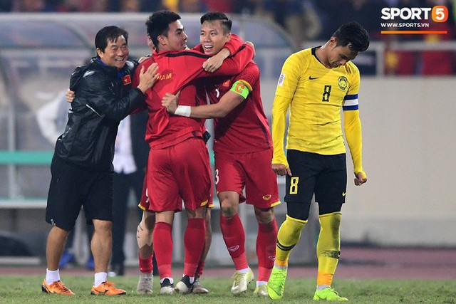 Hành trình kỳ diệu của bóng đá Việt Nam trong năm 2018 qua ảnh - Ảnh 24.