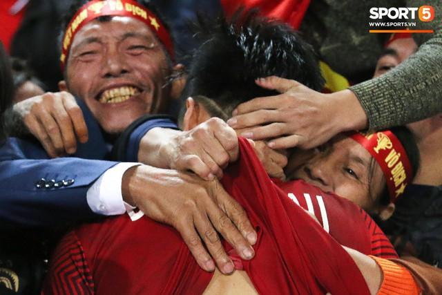 Hành trình kỳ diệu của bóng đá Việt Nam trong năm 2018 qua ảnh - Ảnh 28.
