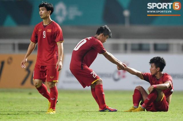 Hành trình kỳ diệu của bóng đá Việt Nam trong năm 2018 qua ảnh - Ảnh 6.
