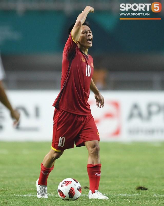 Hành trình kỳ diệu của bóng đá Việt Nam trong năm 2018 qua ảnh - Ảnh 7.