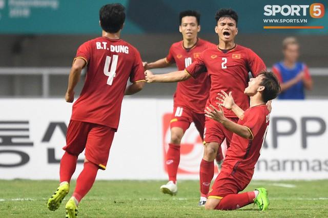Hành trình kỳ diệu của bóng đá Việt Nam trong năm 2018 qua ảnh - Ảnh 8.