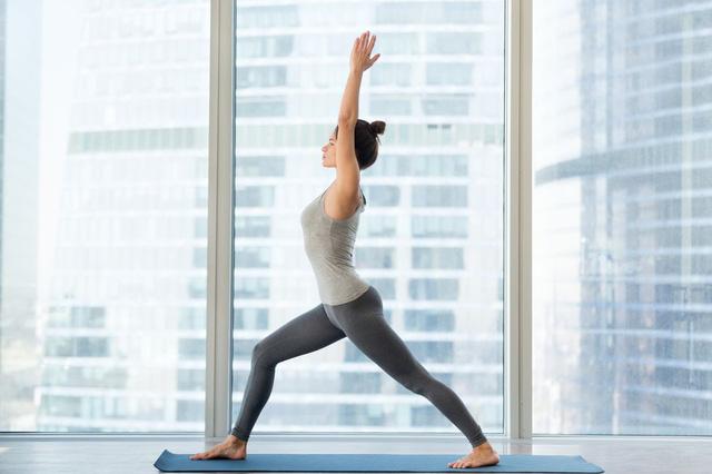 Muốn đốt cháy calo nhanh nhất, đây là 7 tư thế yoga bạn cần bỏ túi riêng mình - Ảnh 5.
