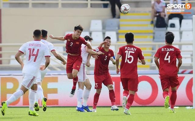 Quang Hải hét lớn, hô hào đồng đội đứng dậy sau bàn thua - Ảnh 3.