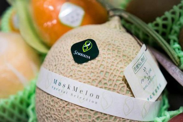 Giờ đến trái cây cũng làm hàng hiệu, một quả xoài có giá hơn 6 triệu và có một nơi bán toàn hàng hiệu như vậy - Ảnh 6.