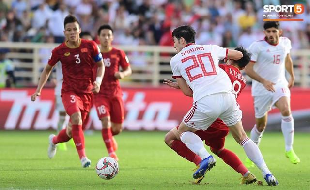 Số phận của đội tuyển Việt Nam tại Asian Cup 2019 có thể được quyết định bằng những chiếc thẻ vàng - Ảnh 2.