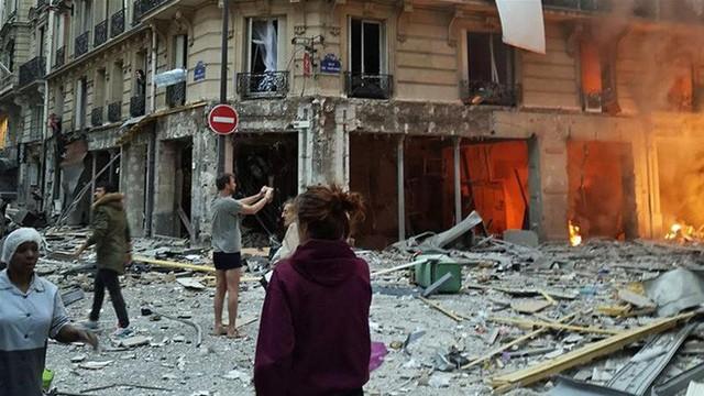 Paris: Cảnh tượng hoang tàn sau vụ nổ lớn ở trung tâm thủ đô, nhiều người bị thương - Ảnh 4.