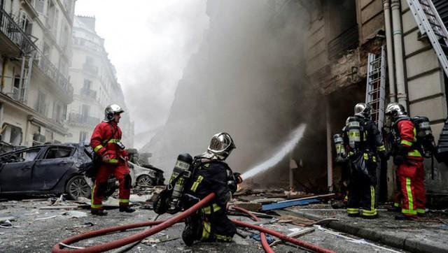 Paris: Cảnh tượng hoang tàn sau vụ nổ lớn ở trung tâm thủ đô, nhiều người bị thương - Ảnh 5.