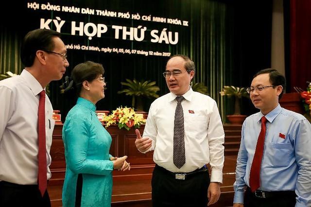 Bà Nguyễn Thị Quyết Tâm nhận quyết định nghỉ hưu - Ảnh 1.