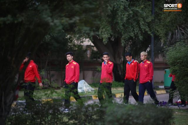 Resort sang chảnh mất nước, tuyển Việt Nam tìm đủ mọi cách khắc phục sự cố trước trận gặp Yemen - Ảnh 2.
