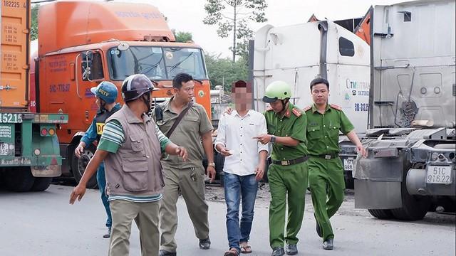 Ảnh: Theo chân công an chốt chặn, xử lý tài xế container sử dụng ma túy - Ảnh 10.
