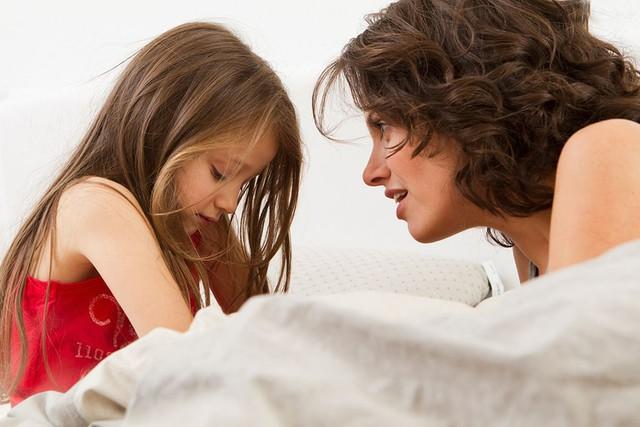 Dạy con mà luôn miệng Con nó bé, sao mà làm được thế này, dù cha mẹ thành đạt đến mấy thì con cái cũng chẳng giỏi nổi - Ảnh 1.