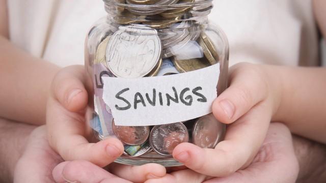 Thói quen tiêu tiền sai lầm khiến cuộc sống càng thêm căng thẳng: Muốn bớt đau đầu vì tiền bạn nhất định phải ghi nhớ 4 mẹo kiểm soát chi tiêu này - Ảnh 1.
