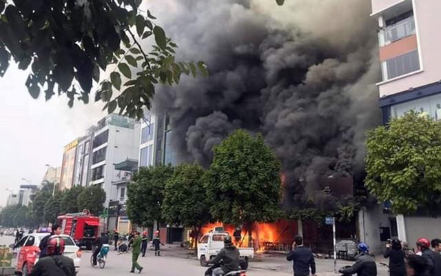 Hiện trường vụ cháy thiêu rụi quán cháo ếch Singapore - Ảnh 1.