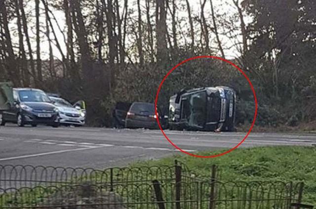 Vận xui đeo bám Hoàng gia Anh: Chồng Nữ hoàng gặp tai nạn xe hơi nghiêm trọng, trong đó có trẻ 10 tháng tuổi - Ảnh 1.