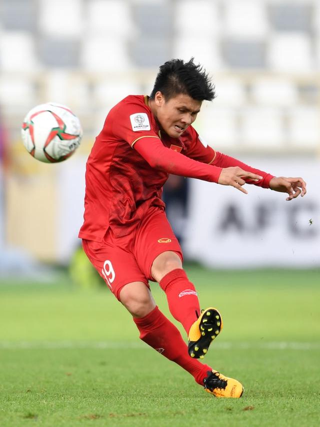 Siêu phẩm cầu vồng của Quang Hải lọt top 10 bàn đẹp nhất vòng bảng Asian Cup 2019 - Ảnh 1.
