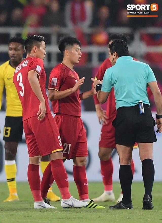 Nóng: Trọng tài cực gắt, từng rút mưa thẻ tại chung kết lượt về AFF Cup 2018, cầm còi trận Việt Nam - Jordan - Ảnh 1.