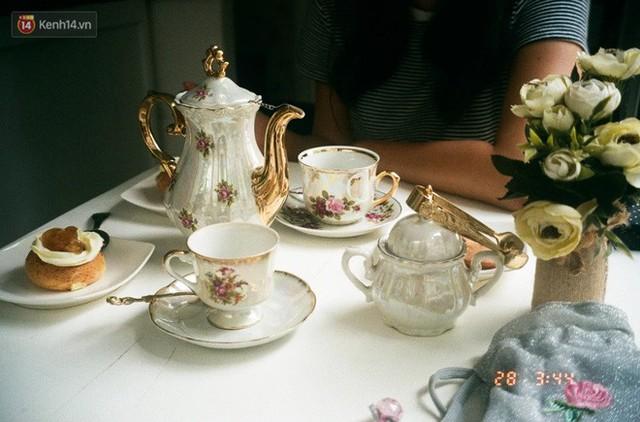 Tiệc trà Anh: tưởng sang chảnh bậc nhất nhưng thực ra có nguồn gốc cứu đói cho một quý tộc thích ăn cả thế giới - Ảnh 1.