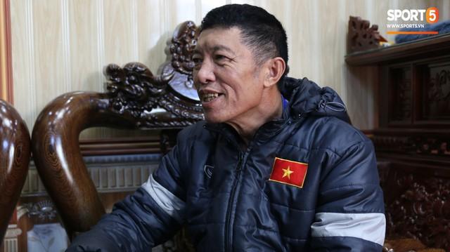 Về thăm nhà Văn Hậu, phát hiện món quà đầu tiên em út ĐT Việt Nam mua cho cha mẹ bằng đồng lương kiếm được - Ảnh 3.