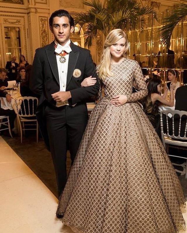 Rich kid oách nhất Ấn Độ: 20 tuổi đã thừa kế ngai vàng, sở hữu khối tài sản hàng trăm triệu đô - Ảnh 12.