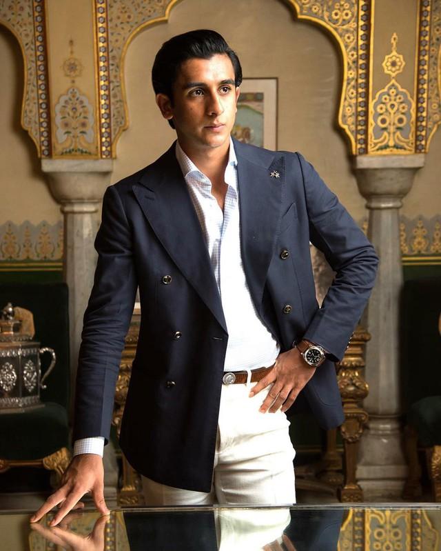 Rich kid oách nhất Ấn Độ: 20 tuổi đã thừa kế ngai vàng, sở hữu khối tài sản hàng trăm triệu đô - Ảnh 21.