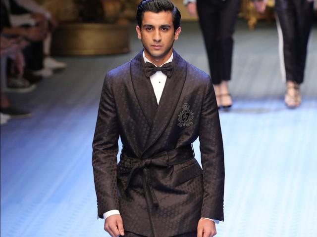 Rich kid oách nhất Ấn Độ: 20 tuổi đã thừa kế ngai vàng, sở hữu khối tài sản hàng trăm triệu đô - Ảnh 10.