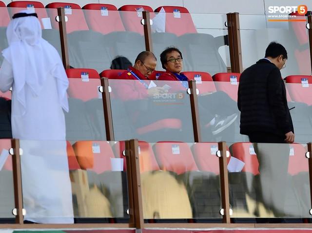 Không đi shopping cùng học trò, HLV Park Hang-seo lặng lẽ đi thăm dò đối thủ ở tứ kết Asian Cup 2019 - Ảnh 1.